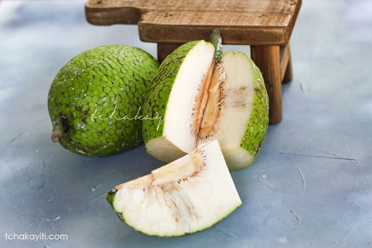 Breadfruit, aka lam veritab in Haiti, is a versatile fruit. We eat it boiled, fried, pureed, as croquettes and so much more. Find out about it on the blog. | tchakayiti.com