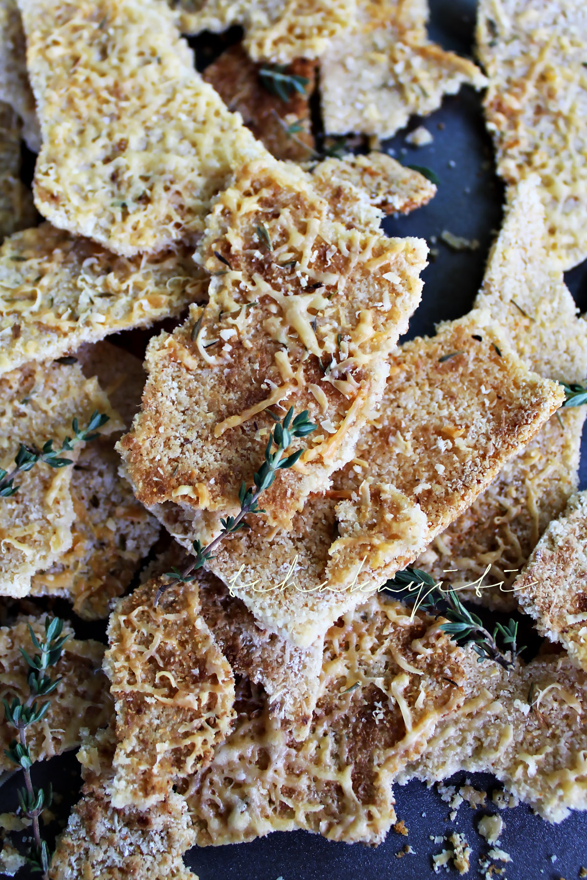 Cassava chips are an easy gluten-free snack you will love. | tchakayiti.com