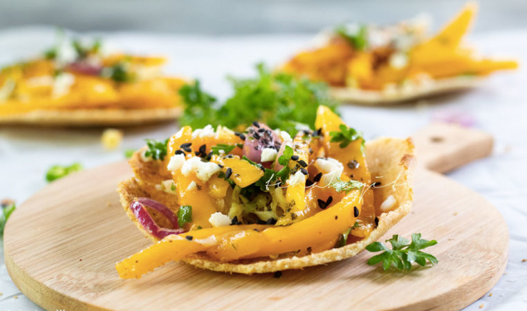 This spicy mango salsa is a must in your culinary repertoire. | tchakayiti.com