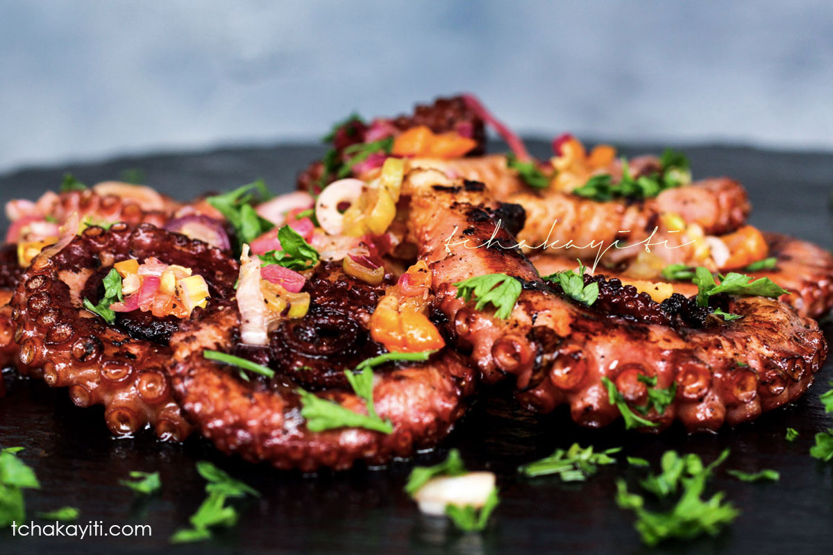 These spicy grilled octopus are served with a hot lime sauce. | tchakayiti.com