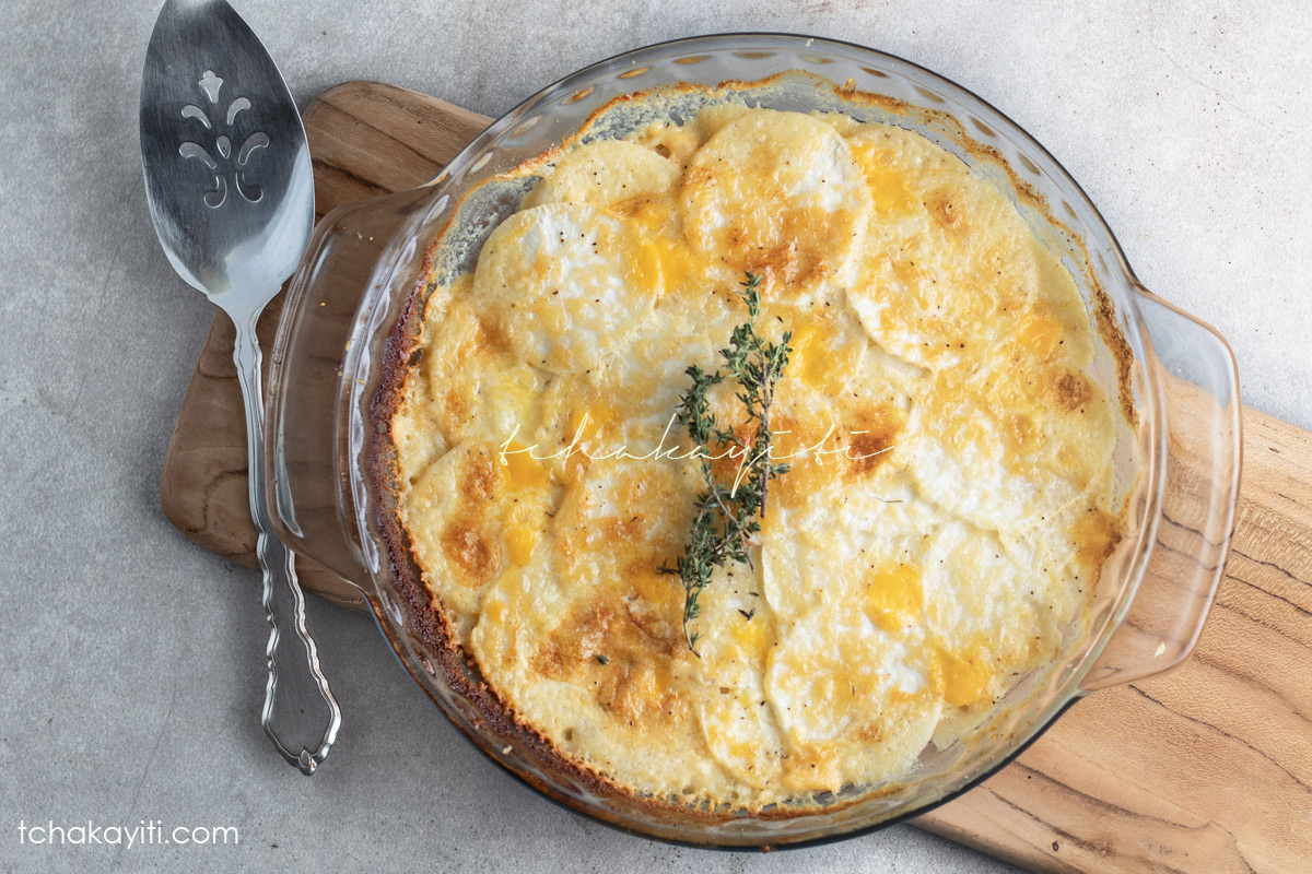 These turnips au gratin are creamy, cheesy and so easy to prepare. | tchakayiti.com