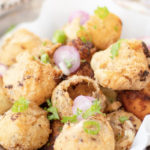 These leek croquettes are cheesy and make a fun appetizer. | tchakayiti.com