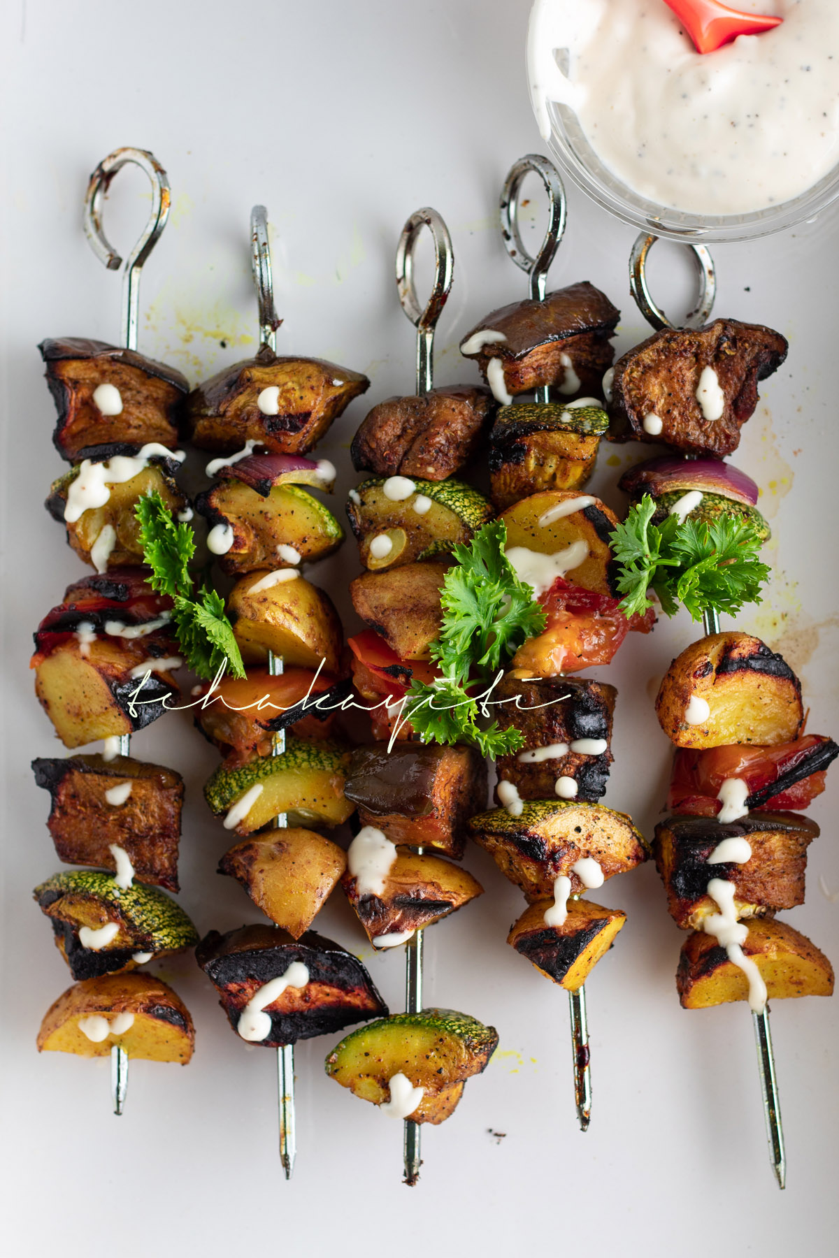 Grilled vegetables skewers, a perfect addition to summer grilling | tchakayiti.com
