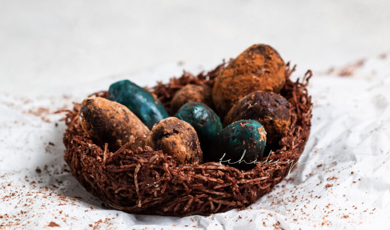 Bittersweet Haitian chocolate Easter truffles | tchakayiti.com